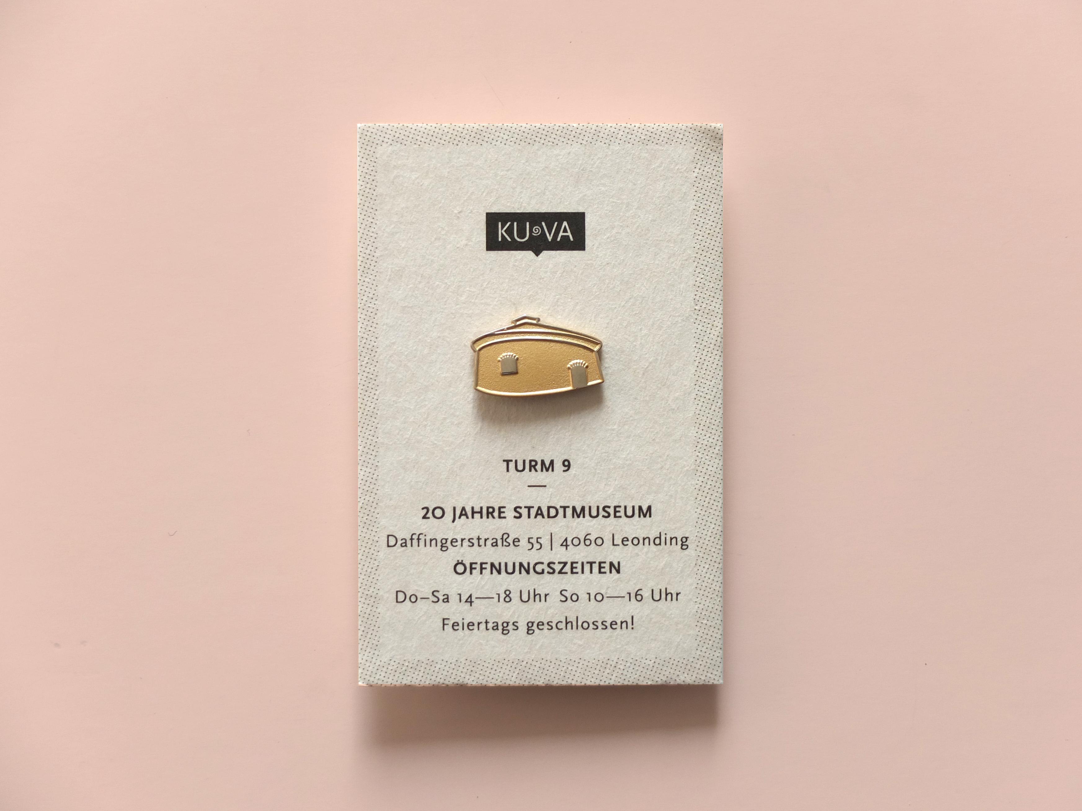 Turm 9 Jubiläums Pin für die KUVA | Illustration: Silke Müller